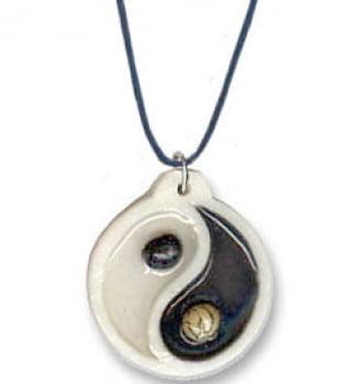 Colar com Pingente do Equilíbrio Yin Yang
