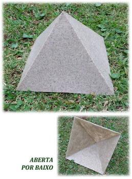 Pirâmide 18 cm - aberta por baixo